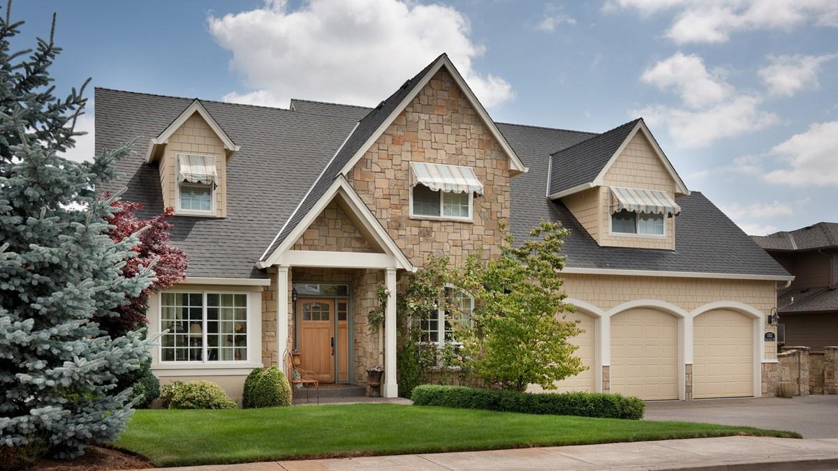 20 gorgeous craftsman home plan designs for Award winning craftsman home designs