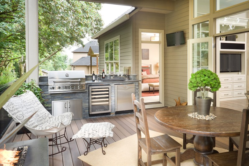 20 home plans with a great indoor outdoor connection for Cuisine d ete