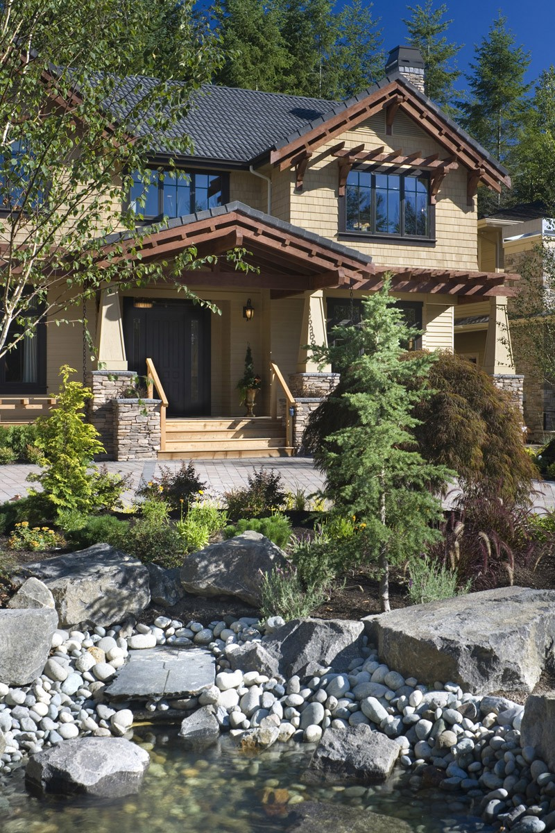 20 home plans that make great first impressions for Pacific image home designs ltd