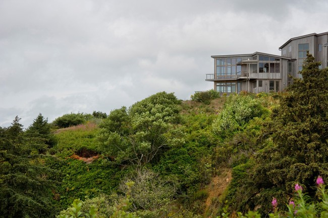 Neskowin beach house custom home plan with ocean views for Hillside house plans with a view