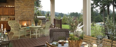 | Why Outdoor Living Areas are Replacing the Traditional Front Porch